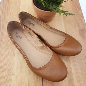 🎀Mossimo Ballet Flats camel tan round toe shoes